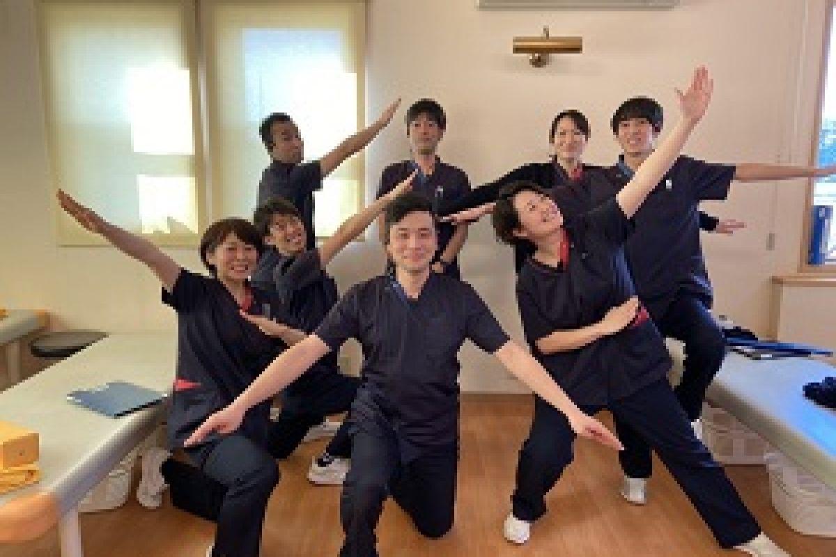 【運動療法室】理学療法士6名&柔道整復師2名が所属しています。それぞれの特徴を活かし勤務にあたっています。